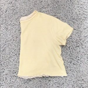 pacsun cropped yellow tee!